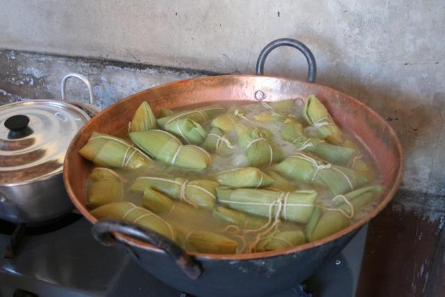 Cozinhando pamonha