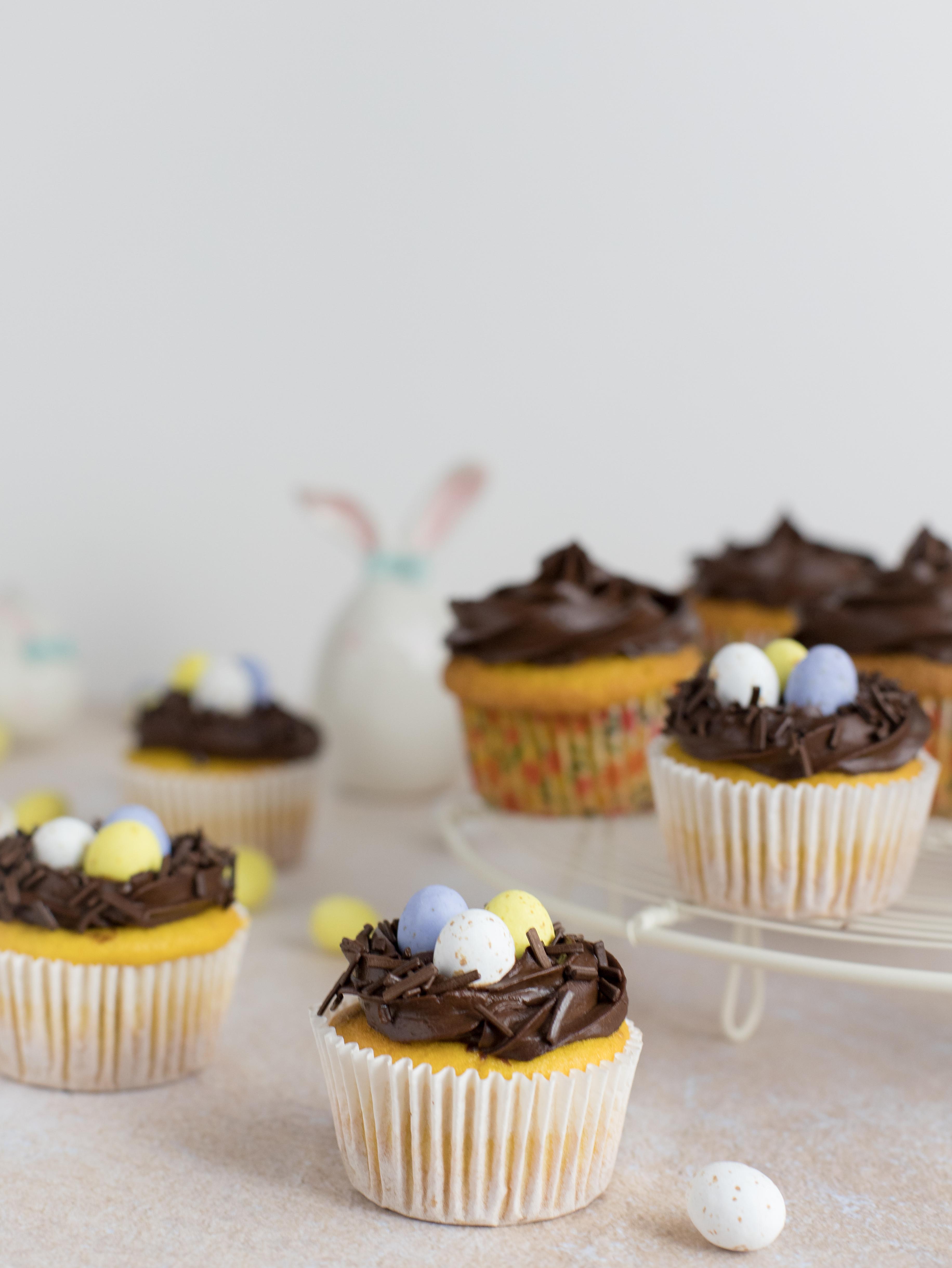 Cupcakes de cenoura com cobertura de chocolate