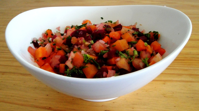 Salada de beterraba, cenoura e tomate 1