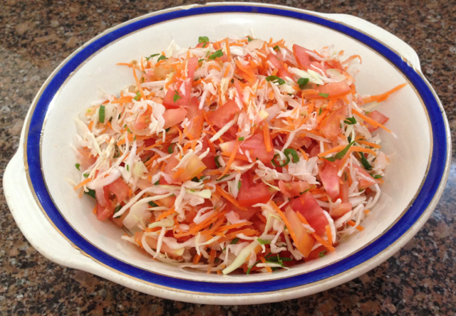 salada de repolho cenoura tomate