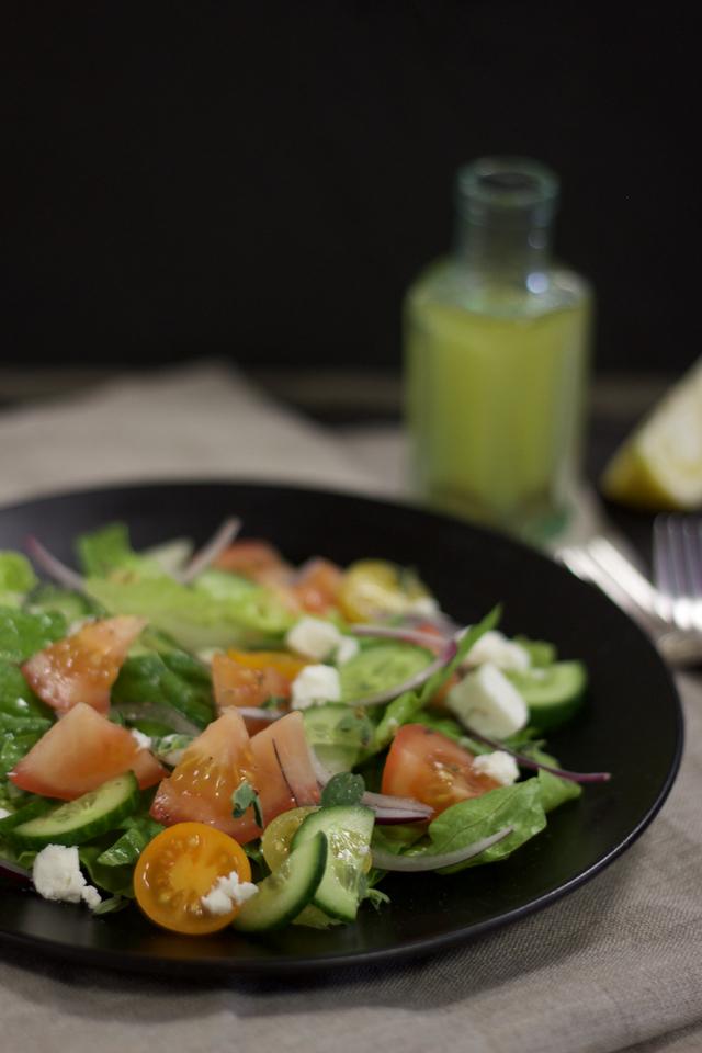 Salada de pepino, tomate e alface